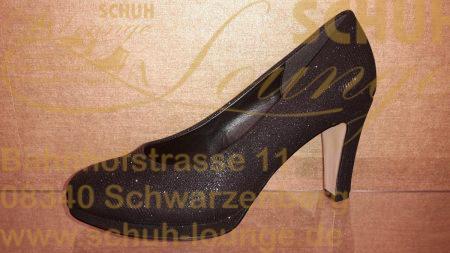 Holt den Catwalk in die City! Ladylike und trotzdem bequem ist dieser Plateaupumps aus topmodischem Metallic-Material in schwarz/silber.