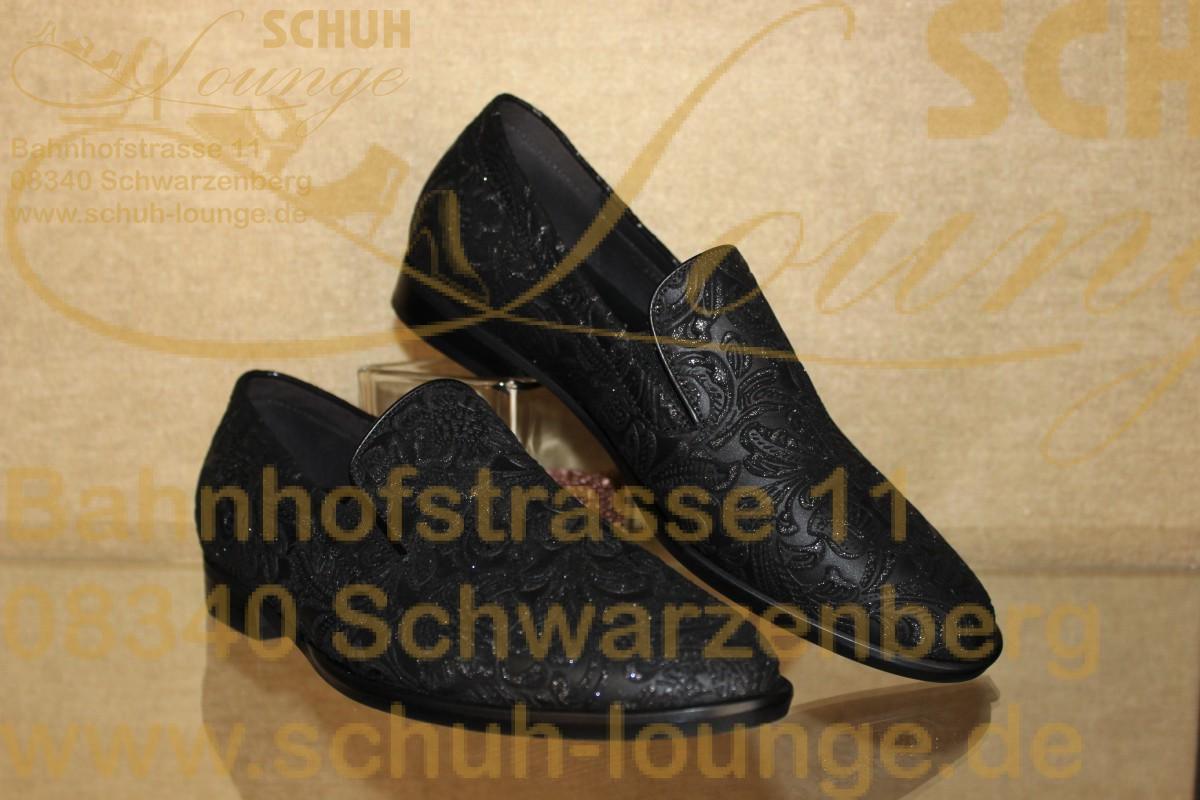 Klassisch in der Form und trendig im Design! So zeigt sich dieser bequeme Slipper aus dem Hause Gabor.